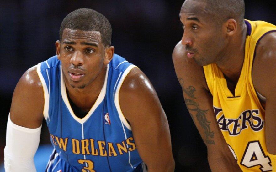 """Chrisas Paulas (""""Hornets"""") ir Kobe Bryantas (""""Lakers"""")"""