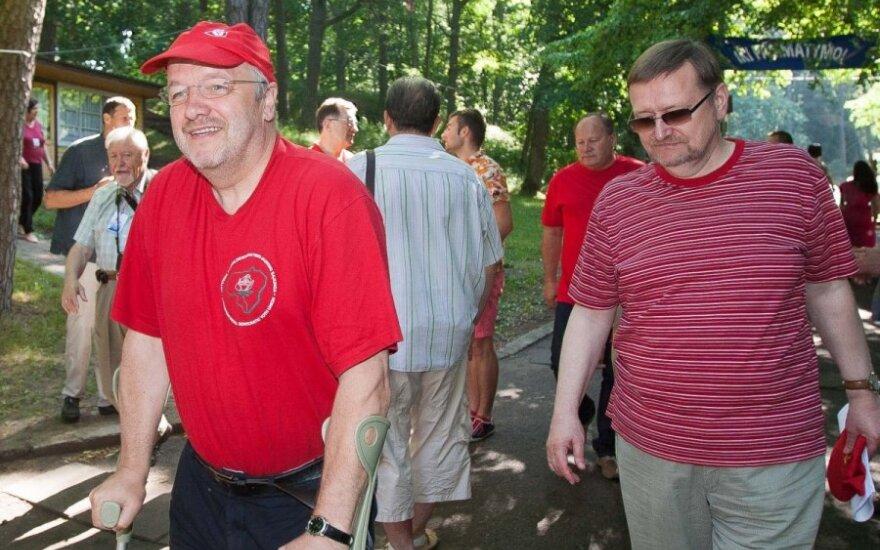 J.Olekas: karys turi atlikti savo pareigą, o ne ieškoti dar vieno pajamų šaltinio