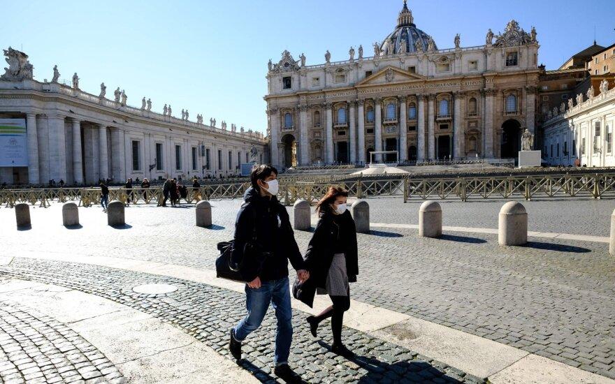 Italijoje nuo koronaviruso mirė mažiausiai 10 kunigų