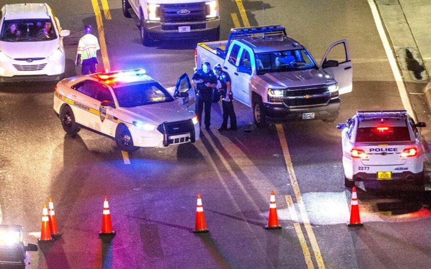 Floridoje šaudynės prekybos centre – 2 žmonės žuvo, dar 11 sužeista