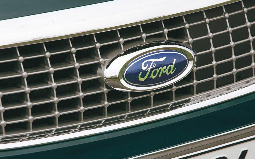 """""""Ford"""" apkaltinta manipuliavimu dyzelinių automobilių išmetamųjų teršalų duomenimis"""
