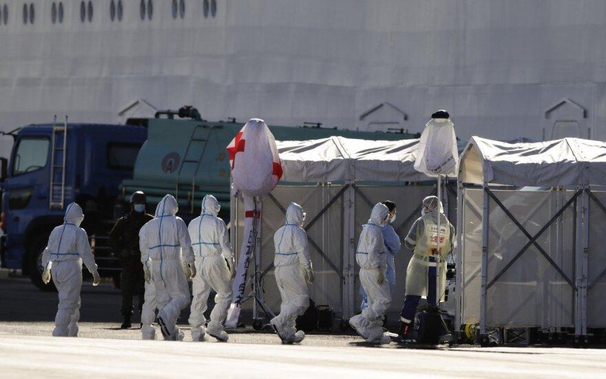 Prie Japonijos krantų karantinuotame laive nustatyti 67 nauji užsikrėtimo koronavirusu atvejai