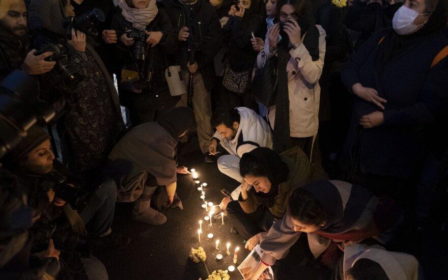Iraniečiai gedi numušto lėktuvo aukų