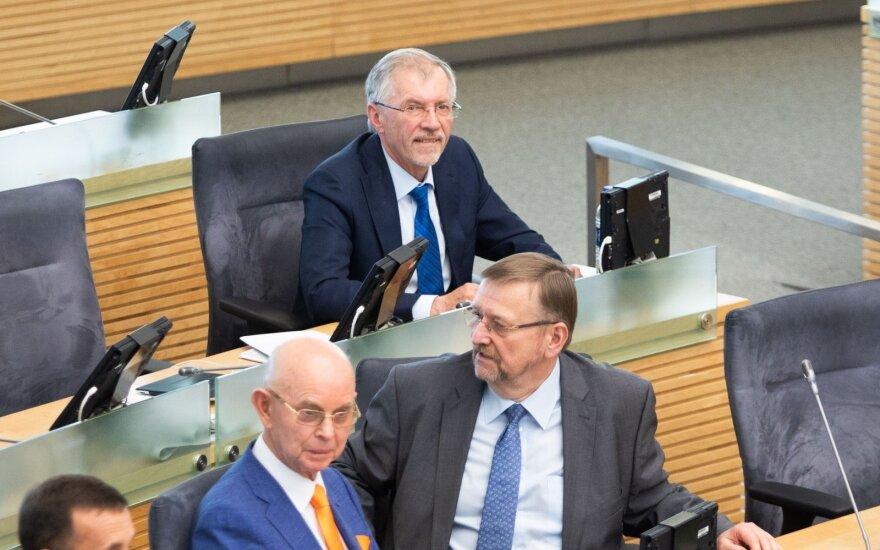 Akibrokštas Seime: Kirkilui neleido vesti posėdžio ir pasiūlė pasitikrinti blaivumą