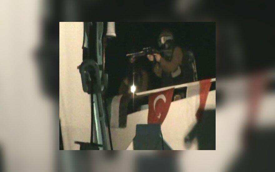 Nustatyta, kad Izraelio kariai nušovė 8 Turkijos ir 1 JAV pilietį