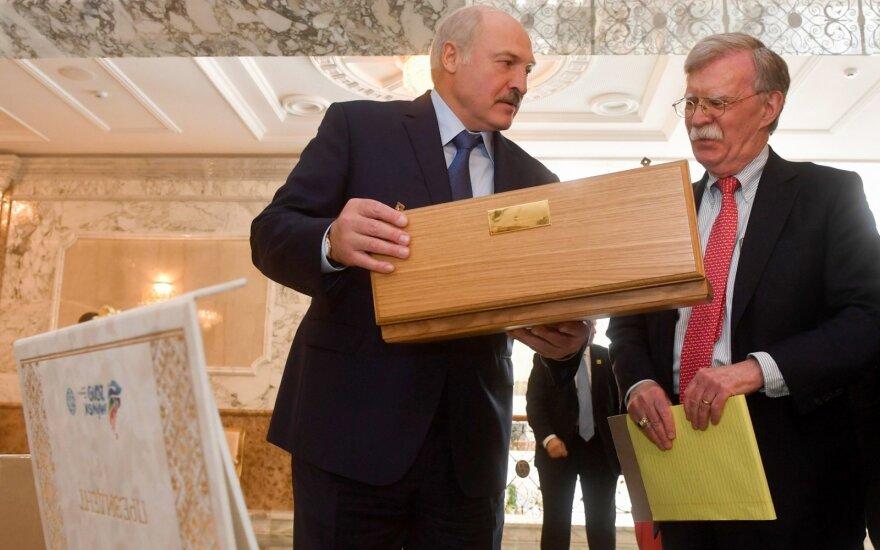 Vašingtonas gali švelninti sankcijas Baltarusijai priklausomai nuo jos rinkimų