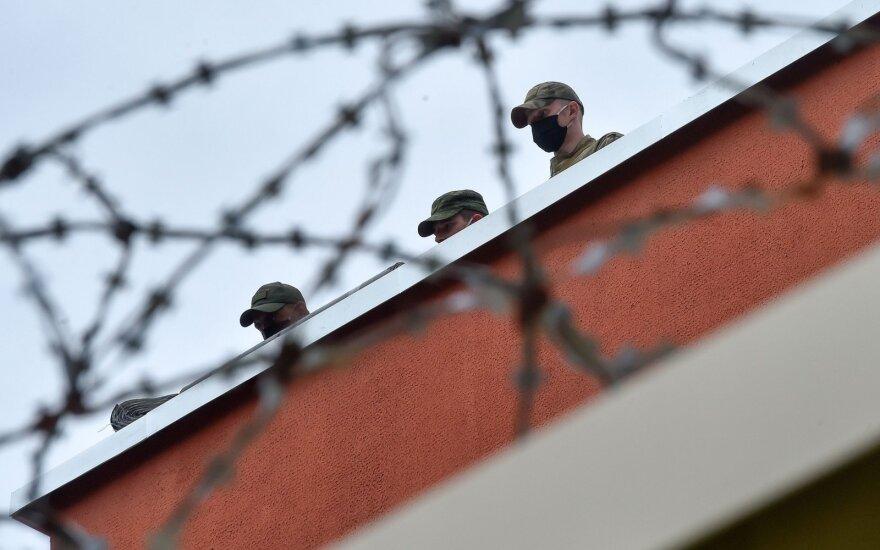Baltarusijos pareigūnai paleido lenkų žurnalistą Dobrowolskį, paleidžiami kiti sulaikytieji