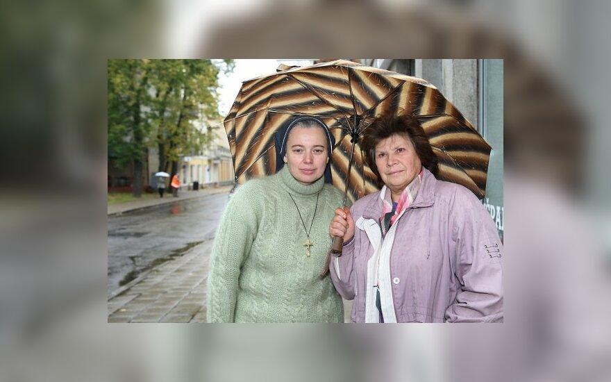 Vienuolė sesuo Daiva ir Vida Beinortienė