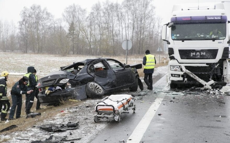 Vogtu BMW nuo policijos sprukusiam ir tris žmones sužalojusiam palangiškiui gresia 12 metų nelaisvės