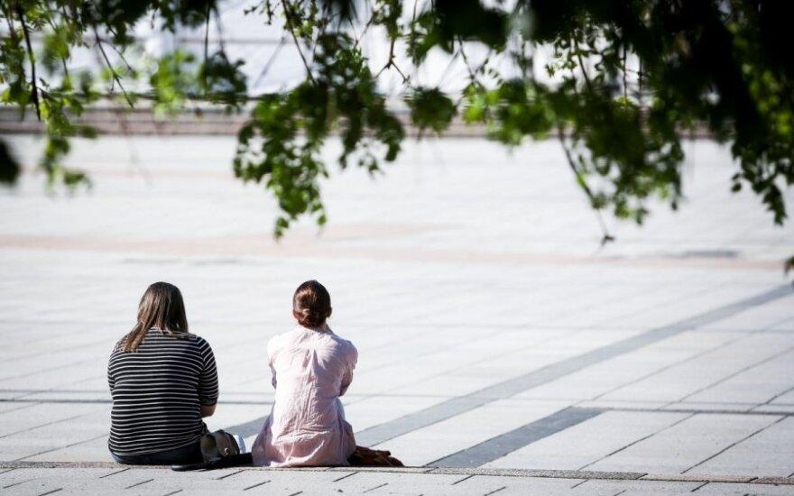 Kova su jaunimo nedarbu – nuo kalbų prie darbų: kur ieškoti darbo?