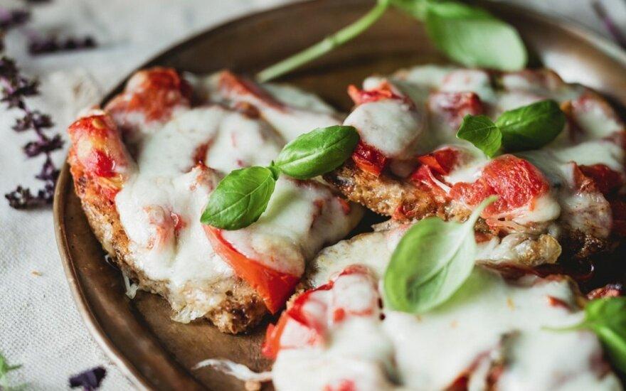 Sumuštiniai su mocarela ir pomidorais