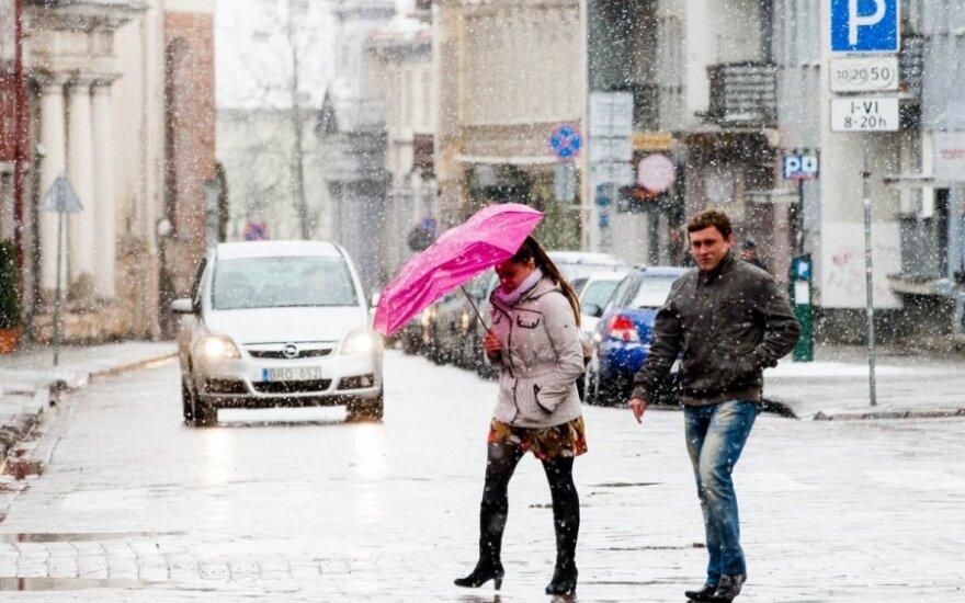 Orai: žiema vietoj šalčių pažers šilumos