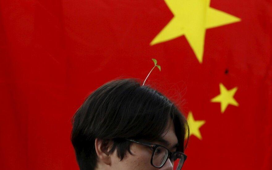 Kinijos garvežys nemažina apsukų