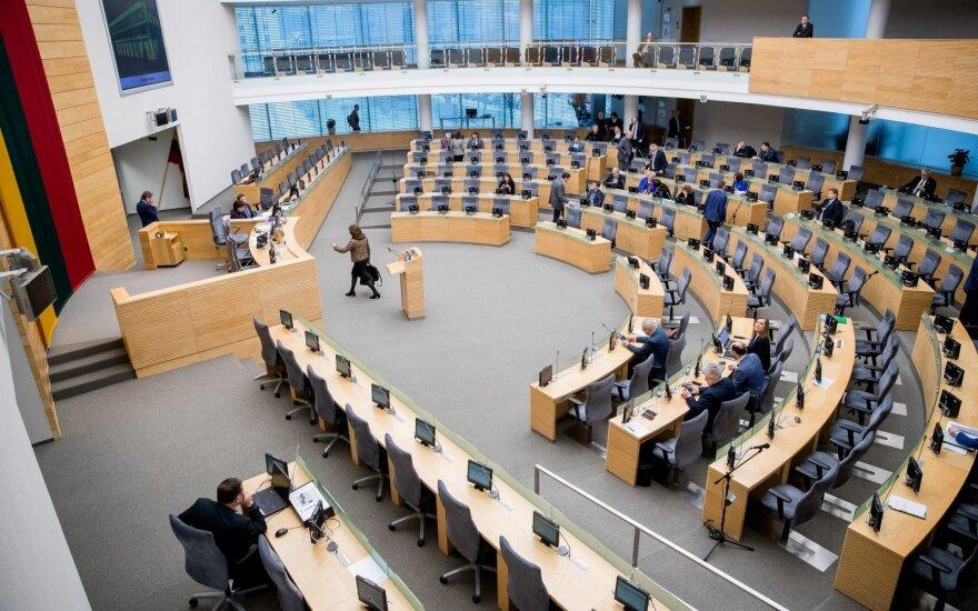 Seimas svarstys daugiau viešumo įnešančias Statuto pataisas