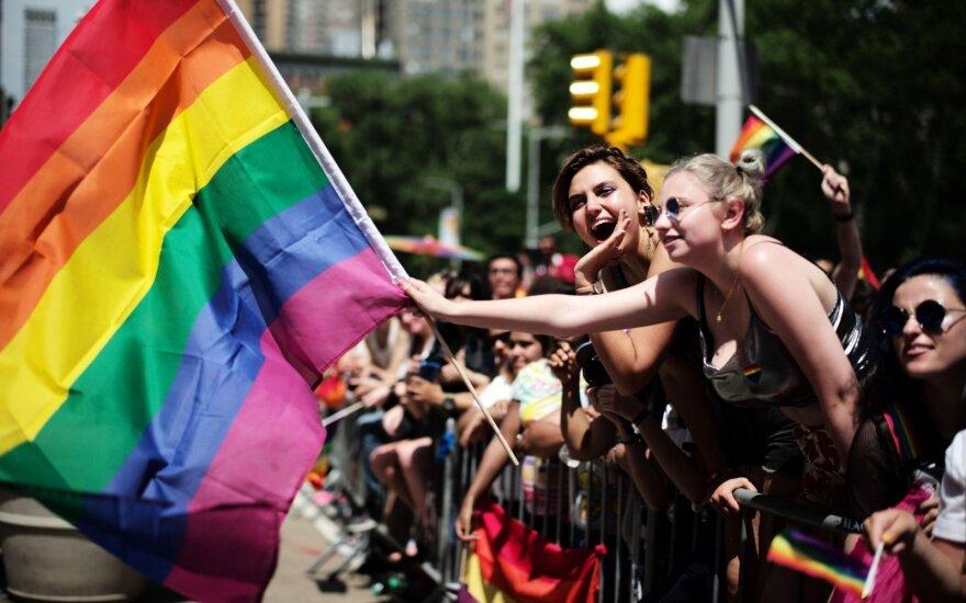 Niujorke savaitgalį vyko tūkstančius dalyvių sutraukęs gėjų paradas