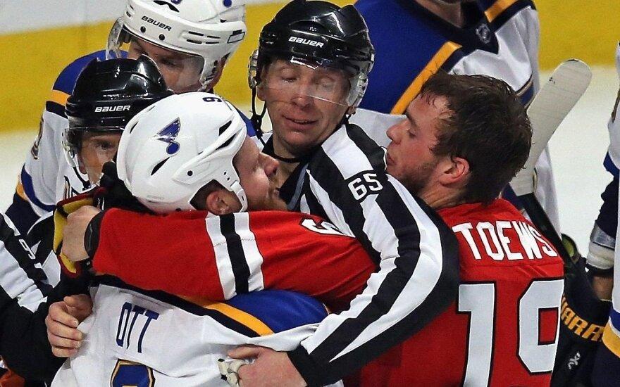"""""""Blackhawks"""" patyrė antrą nesėkmę NHL Vakarų konferencijos ketvirtfinalyje"""