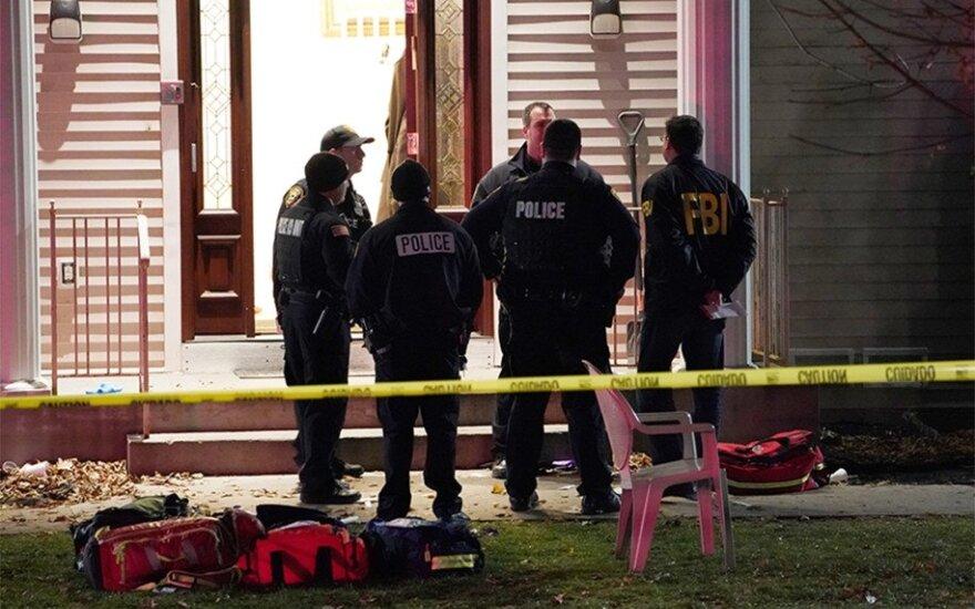 Niujorko valstijoje užpuolikas rabino name subadė kelis tikinčiuosius