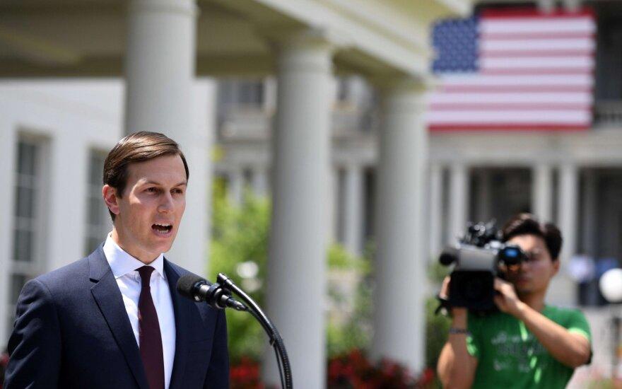 Kushneris vyksta į Artimuosius Rytus: stums JAV taikos plano