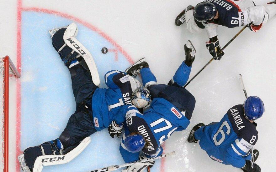 Pasaulio ledo ritulio čempionate – netikėta čekų nesėkmė ir šešta suomių pergalė