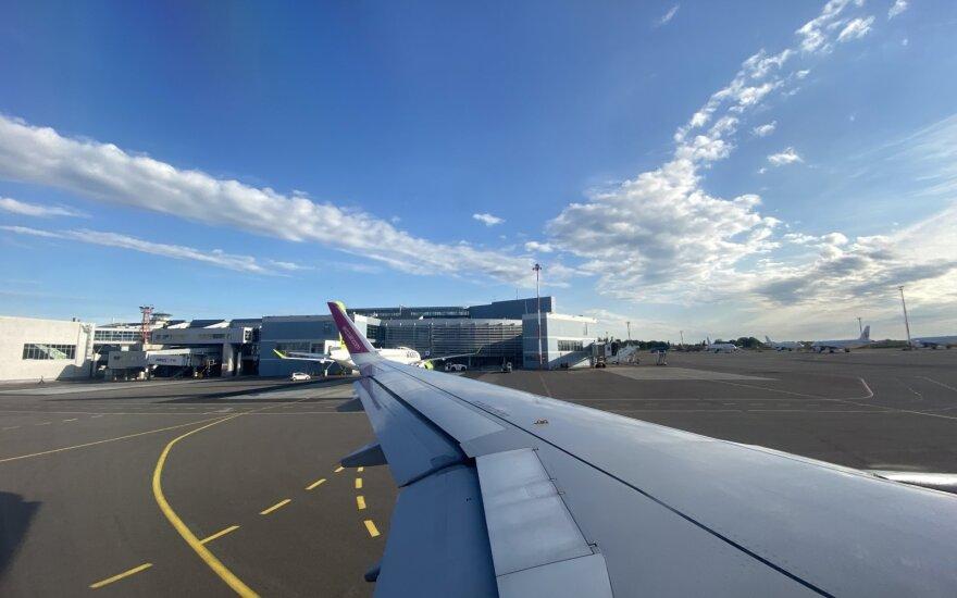 """Europos oro linijų bendrovės reikalauja nutraukti karantino priemonių keliamą """"chaosą"""""""