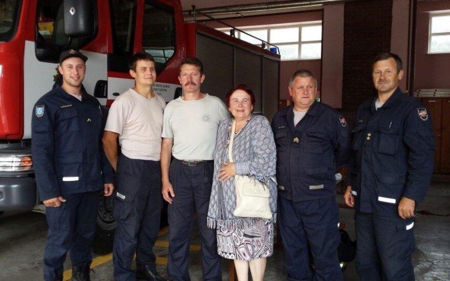 Nuo ugnies namą Palangoje išgelbėję ugniagesiai susilaukė karštos padėkos