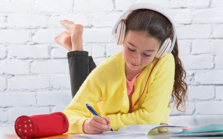 Specialistė: be mokslų vaikas gali praleisti ne daugiau kaip dvi savaites