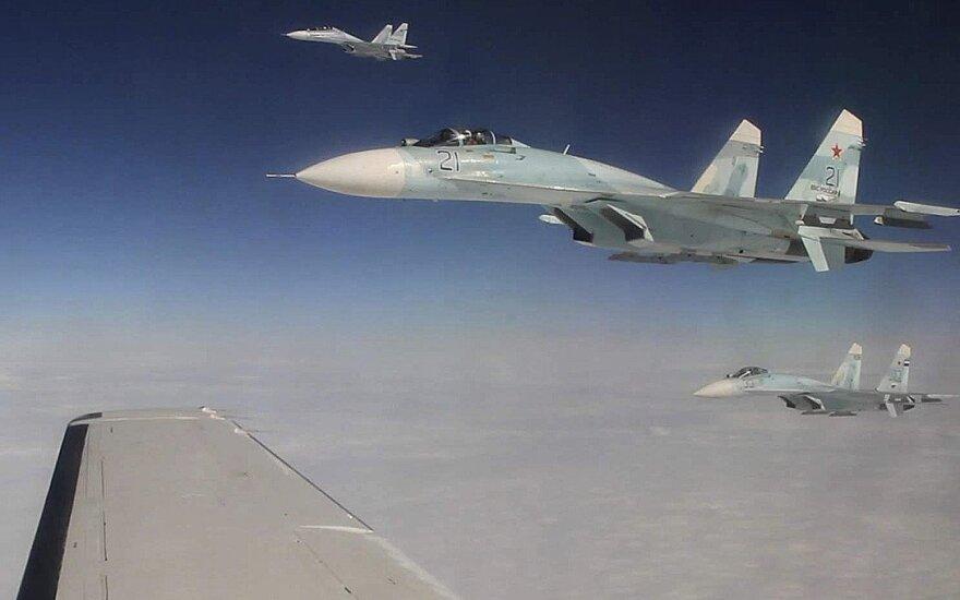 Rusų naikintuvas – vos trys metrai nuo JAV lėktuvo
