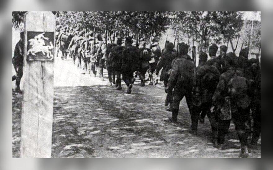 Sovietų kariai okupuoja Lietuvą 1940 m.