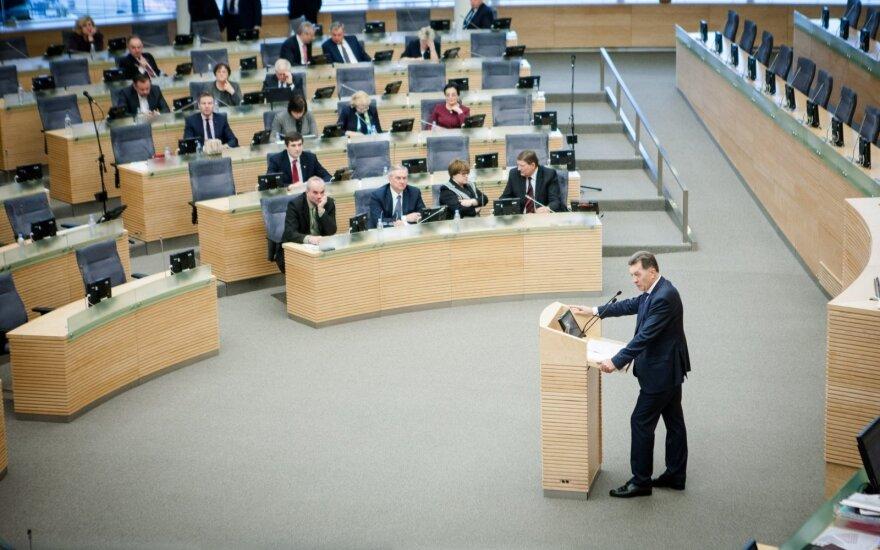 Algirdas Butkevičius addressing the Seimas