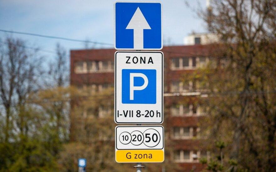Gegužę keičiasi parkavimo tvarka Vilniuje: susimokėti teks ir ten, kur iki šiol stovėjimas buvo nemokamas