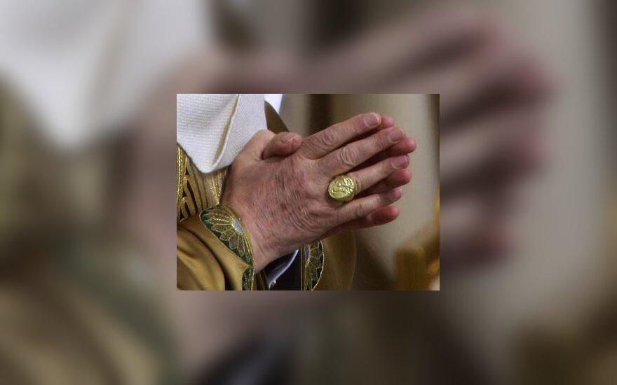 Popiežiaus valdžios simbolis - Žvejo žiedas