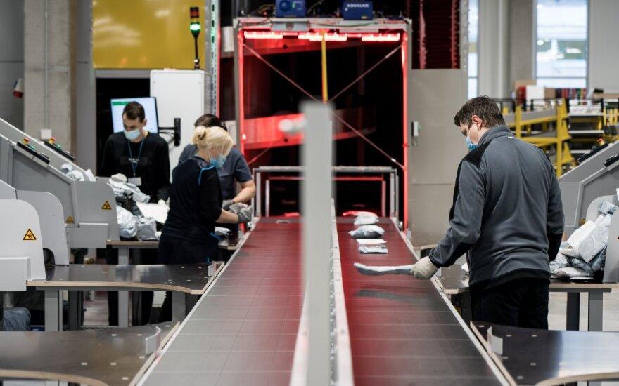 Lietuvos paštas apie atleidimą įspėjo 375 darbuotojus