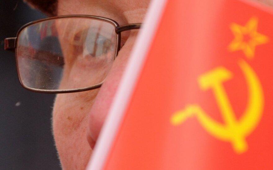 Latvijos parlamentas uždraudė sovietų ir nacių simbolius