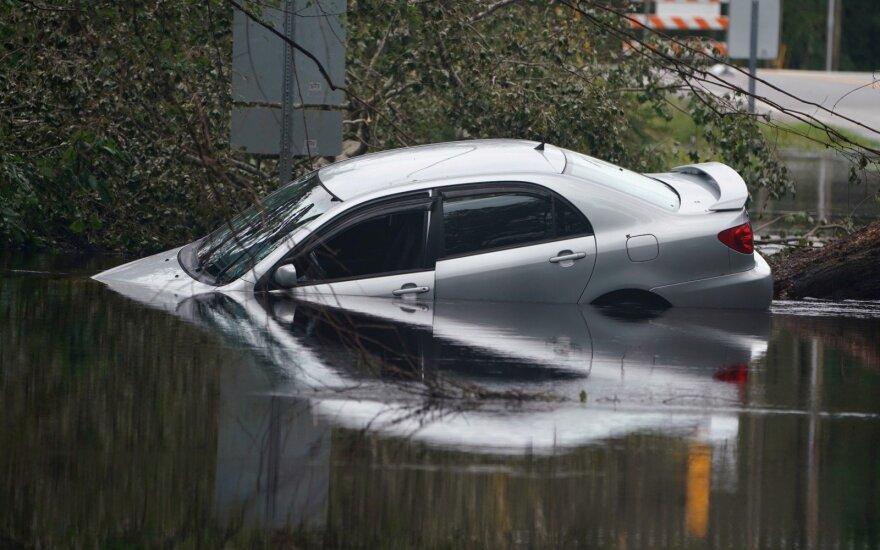 Nuskendęs automobilis