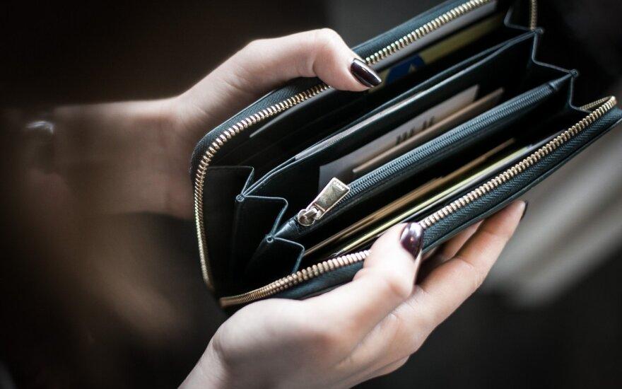Kad piniginė neplonėtų: programėlės, padėsiančios sutaupyti