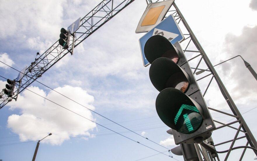 Panevėžyje imtasi spręsti spūsčių Smėlynės gatvėje problemą