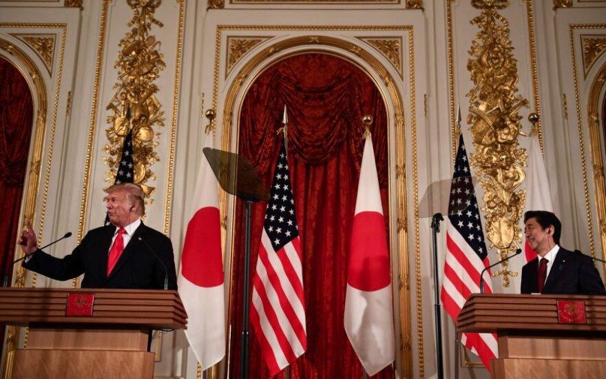 Donaldas Trumpas, Shinzo Abe
