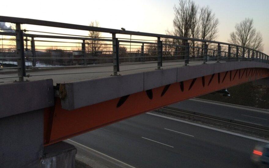 Pėsčiųjų tiltas Vilniuje, virš Tūkstantmečio g.
