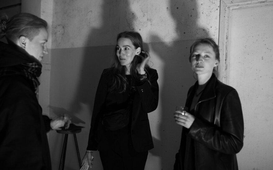 """Aurelijos Bulaukaitės ir Eglės Grėbliauskaitės paroda """"Mes turime būti ypatingai atsargūs"""""""