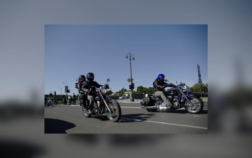 Norintys vairuoti motociklus dažnai nežino KET reikalvimų
