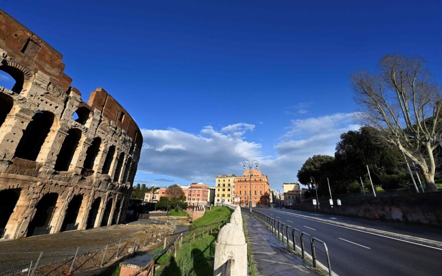 Italijoje šiek tiek didėja naujų COVID-19 atvejų skaičius