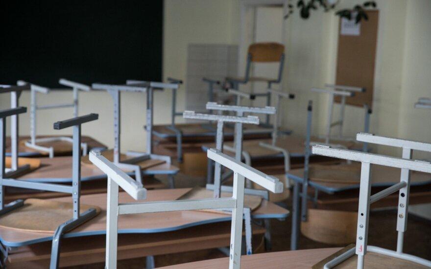 Švietimo ministerijos ketinimai: žingsnis pirmyn, du žingsniai atgal