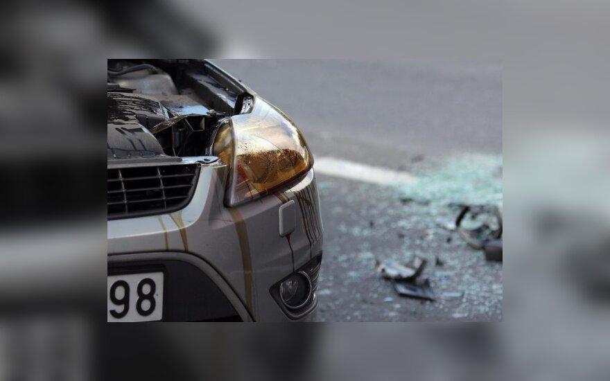 Šukės po avarijų – vairuotojų reikalas