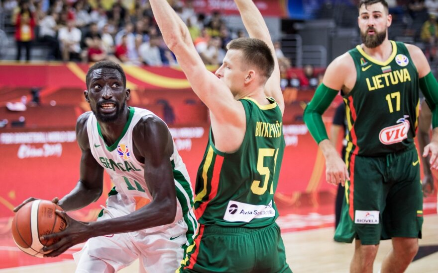 Lithuania utterly destroys Senegal in a fantastic start to the tournament