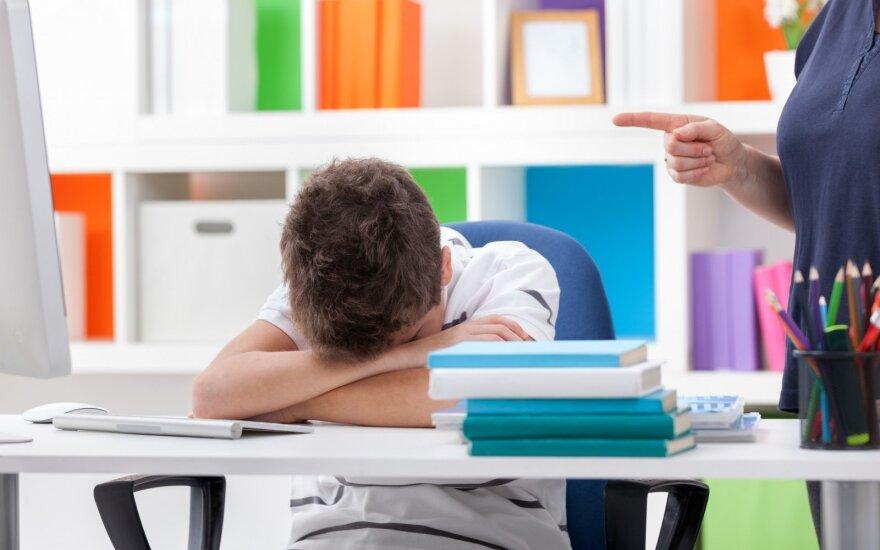 Vaikas nenori į mokyklą? Kaltę turėtų prisiimti ir tėvai