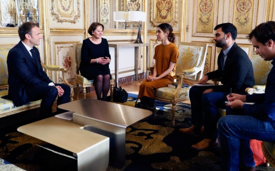 Emmanuelis Macronas susitiko su Nobelio premijos laureate Nadia Murad Basee Taha