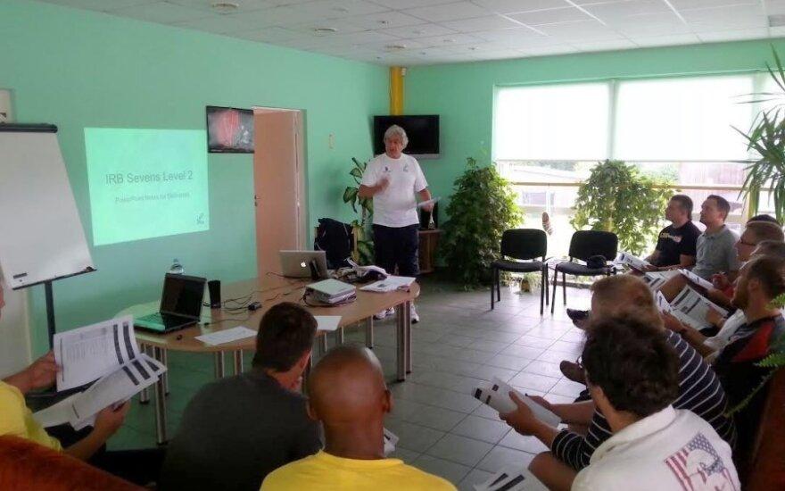 Peteris Joyce'as seminaro metu