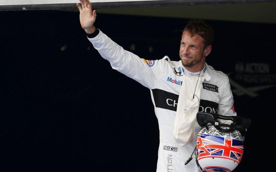 """J. Buttonas sugrįžta į F-1: Monake pakeis F. Alonso, startuosiantį """"IndyCar"""" lenktynėse"""
