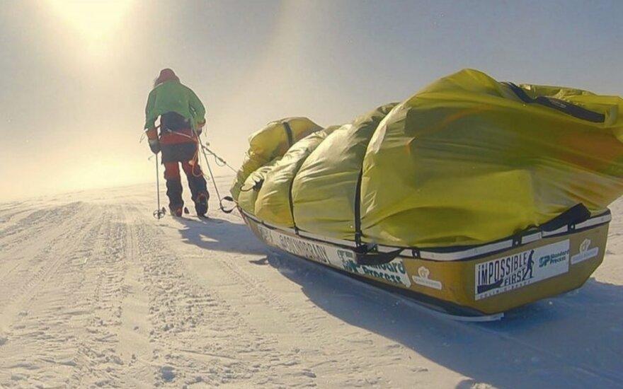 Colinas O'Brady tapo pirmuoju Antarktidą be pagalbos skersai kirtusiu žmogumi