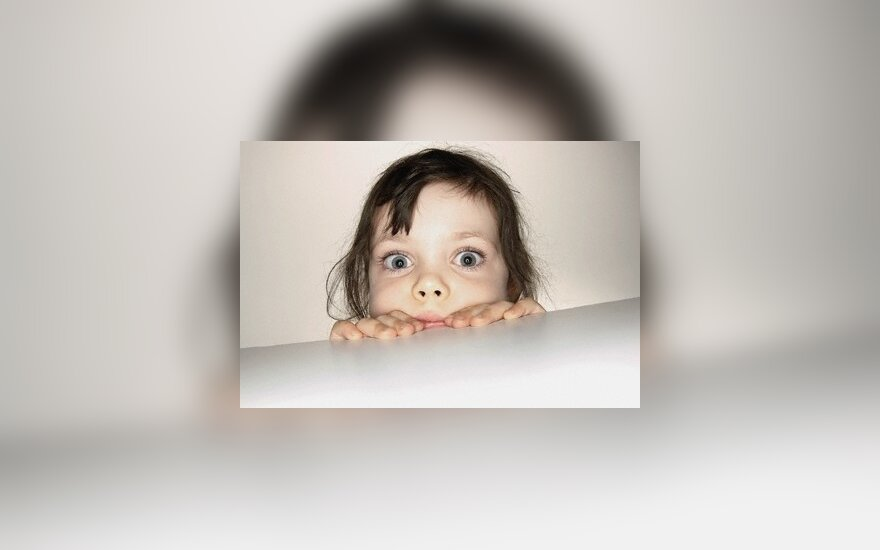 Išsigandusi mergaitė